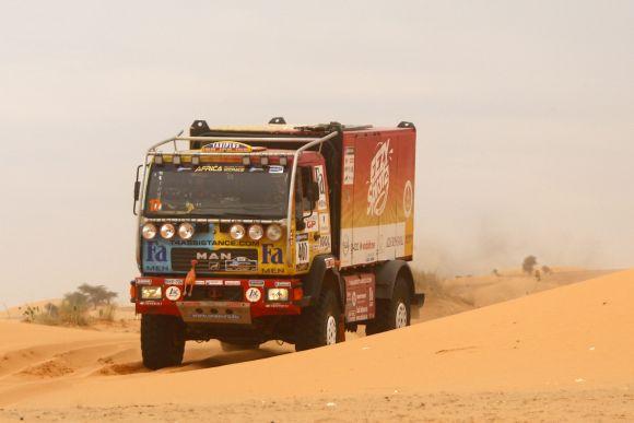 Africa Eco Race: Homokfutók, lapátok